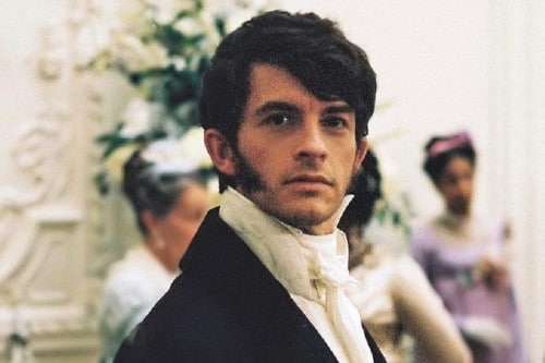 Anthony joué par Jonathan Bailey