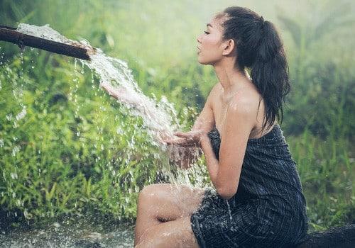 Maintenir les cheveux hydratés