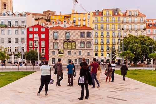 Les Portugais vont pouvoir reprendre une vie normal