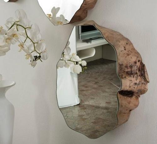 Il existe de très nombreux modèles de miroir irrégulier